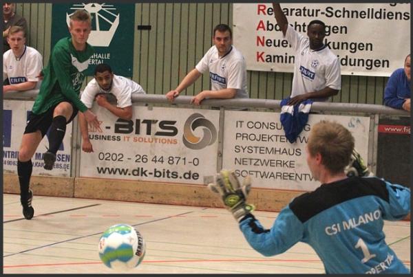 2015_01_05_09_12_11_Impressionen_von_den_Fussball_Hallenmeisterschaften_Sport_Wuppertal_Lokales